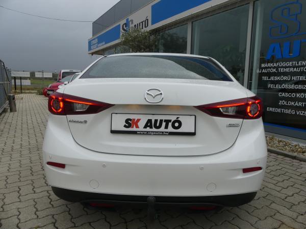 Mazda 3 2,2D Revolution,Bose,Navi,Xenon