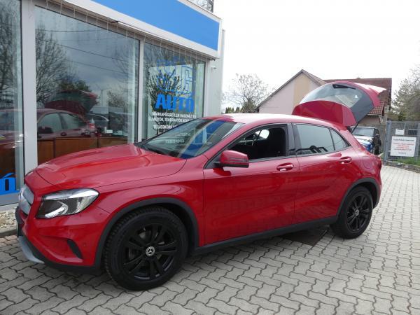 Mercedes-Benz GLA 200 Navi,D.Klima,Űl,Fű,Sport,PDC