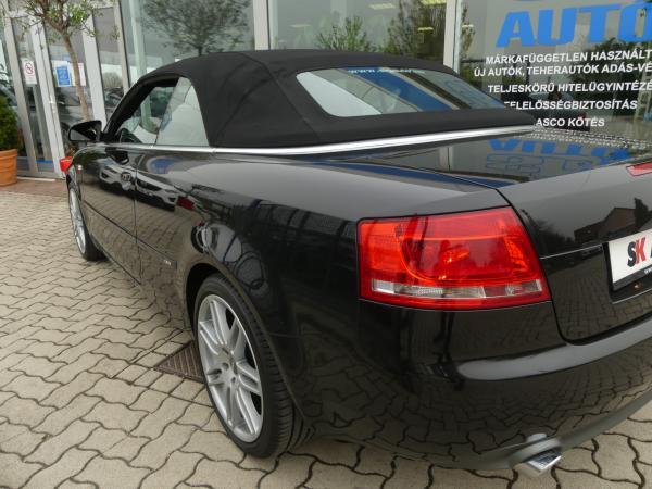 Audi A4 Cabrio 2.0PD TDi Navi,D.KLima,PDC,Bőr
