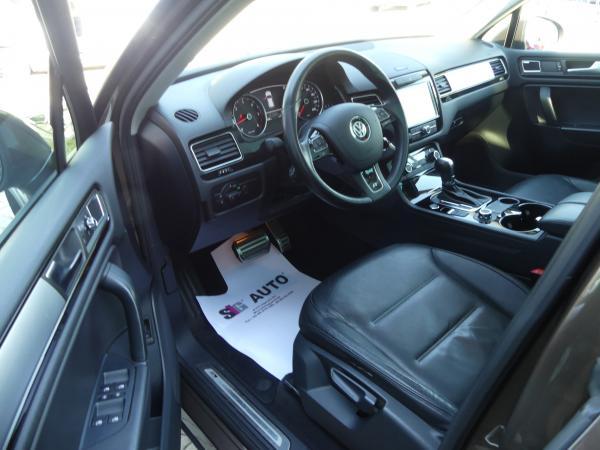 Volkswagen Touareg 3.0 V6 TDi Tiptronic R-Line,Pan.Te,Led,,Kamera,Bőr